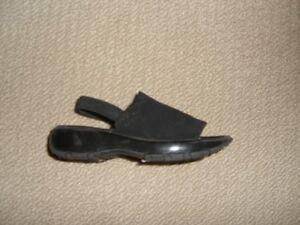 Black Smartfit Sandals with Stretchy Heel Strap Size 11 1/2