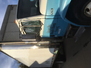Freightliner FL70 24 foot box hydraulic lift gate and ramp