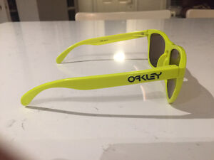 Oakley Frogskins *limited edition* London Ontario image 3