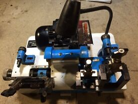 Cylinder and mortice key cutting machine