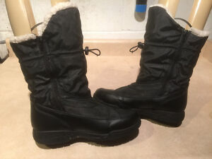 "Women's ""Lower East Size"" Winter Boots Size 8 London Ontario image 6"
