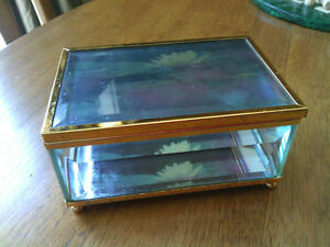 Beveled Glass Jewelery Box. Boite a bijoux bizoute
