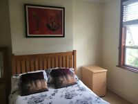 LOVELY Double Room Near HITHER GREEN - Great Links To LONDON BRIDGE & CHARING CROSS!