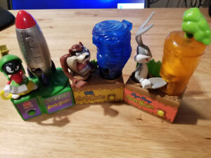 Looney Tunes Battery Powered Candy Dispenser