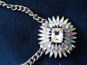 Brand new with tags women's Laura statement rhinestone necklace London Ontario image 3