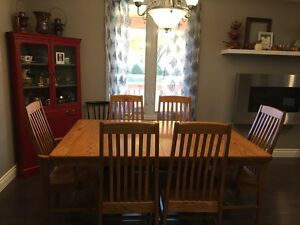 Solid oak Mennonite Mission style dinning table London Ontario image 2