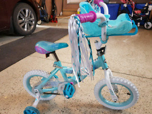 """12"""" Frozen bike with training wheels and basket"""