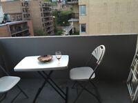 Petite table de balcon + 2 chaises