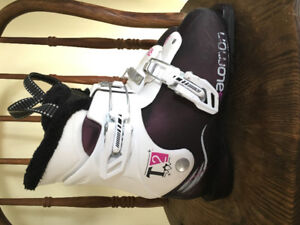 Youth ski boots size 21