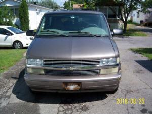 2001 Chevrolet Astro Familiale