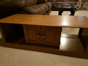 Maple coffee table, good condition, great for students
