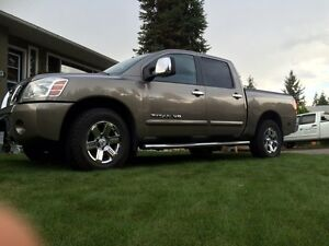 nissan titan find great deals on used and new cars trucks in british columbia kijiji. Black Bedroom Furniture Sets. Home Design Ideas