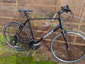 Giant Escape 3 hybrid commuter bicycle