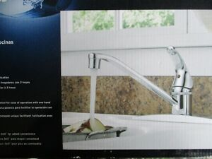 Peerless single lever Kitchen faucet New in Box