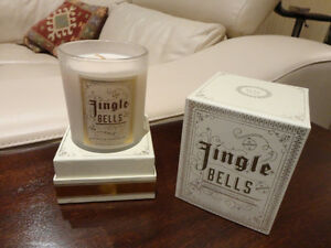 NEW Jingle Bells Enticingly Aromatic Candle - Vanilla Chestnuts Kitchener / Waterloo Kitchener Area image 1