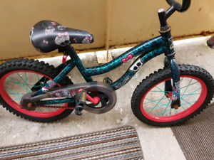"Kids bicycle 16"" wheels training wheels included"