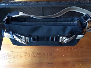 DKNY purse, brand new Downtown-West End Greater Vancouver Area image 2