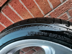 1x 245 40 18 Bridgestone