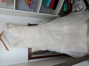 WEDDING DRESS size 8 ELLA ROSA