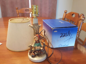 """Goebel """"Just Resting"""" lamp, collectable"""