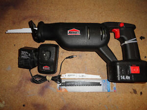 14.4v Cordless Reciprocating Saw with Accessories London Ontario image 2