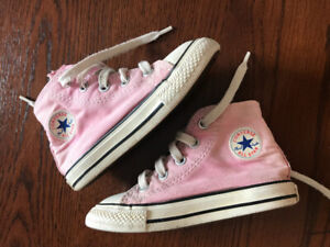 affce4e39b64 Girls toddler pink Converse sneakers shoes size 7 or Euro 23