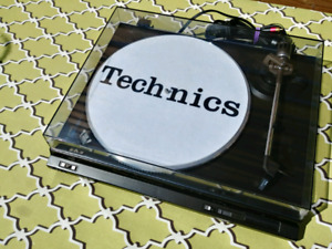Belle table tournante Technics SL-DD22