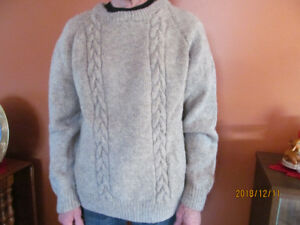 Men's Hand Knit Sheep's Wool Pullover Sweater