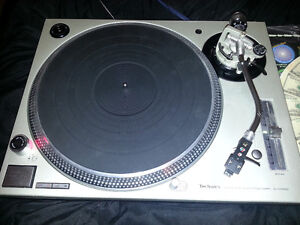 TECHNICS SL1200 M3D turntable