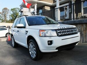 2012 Land Rover LR2 / 3.2L I6 / Auto / 4x4 **Immaculate**