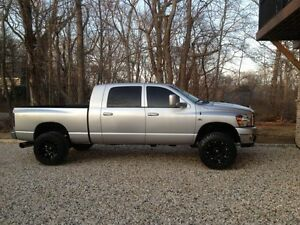 ISO silver 3rd gen 2006 Dodge Ram parts