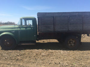 1952 Dodge fargo 2 ton with box hoist