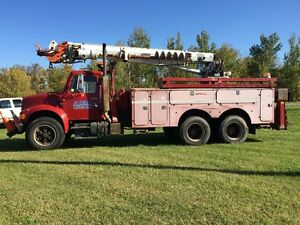 1991 International Auger/Digger Truck