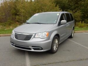 2016 Chrysler TOWN & COUNTRY TOURING LEATHER! GREAT VALUE