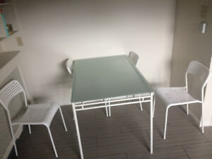 Great Kitchen Table + 4 Chairs