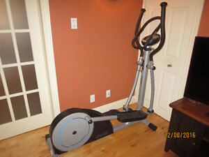 High-quality elliptical trainer