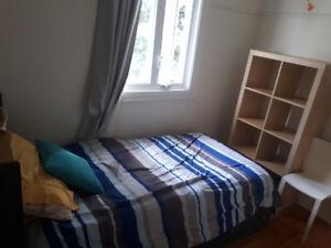 Chambre meublée avec WIFI à 12 min. du Métro Longueuil