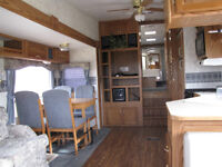 2003 29 1/2' Cougar 295 EFS  5th wheel travel trailer