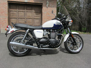 Low Mileage 2014 Triumph Bonneville with Extras at a Great Price