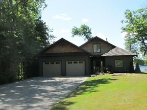 BOBCAYGEON WATERFRONT PERFECT FOR EXECUTIVES