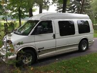 2000 GMC Savana explorer limited edition Minivan, Van