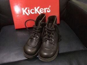 Kickers Femme Chaussures Des Achetez Pour Vendez Québec Ou Dans rIrwY