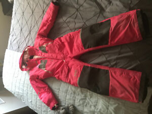 ONE PIECE Helly Hansen girls size 9 hot pink snowsuit!