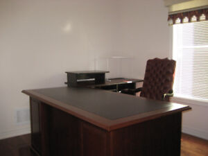 EXECUTIVE HOME OFFICE FURNITURE - $550