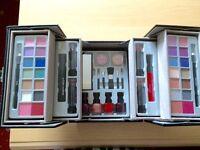 The colour institute makeup set Ono
