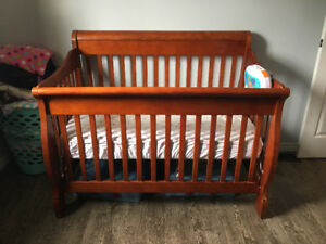 Solid crib/daybed/double bed