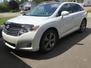 2012 Venza V6 AWD Premium Touring Package