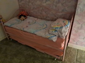 Childrens bed pullout to double