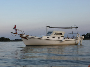 """Sailboat, Great fun ,go anywhere 18"""" draft ! Includes trailer !"""