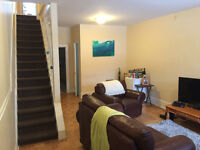 5 BEDROOM 2 BATHROOM HOUSE!! GLEBE $2500 AVAIL MAY 1ST!!